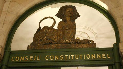 Grondwettelijke Raad keurt enkele van Hollande's belastingwetten af