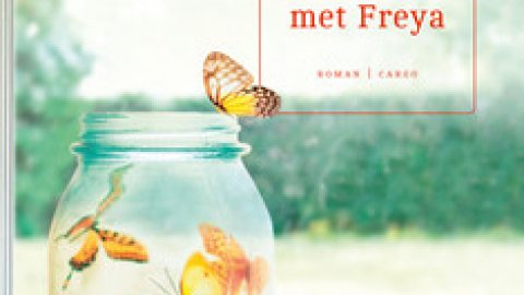Een jaar met Freya, een autobiografische roman over grote levensvragen, kleine overwinningen en de wording van een gezin