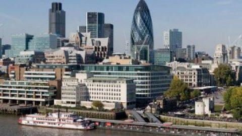 Engeland legt de rode loper uit voor Franse fiscale bannelingen