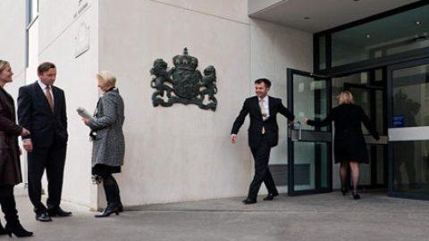 Nederlandse verenigingen sturen brief aan minister Timmermans over de paspoorten