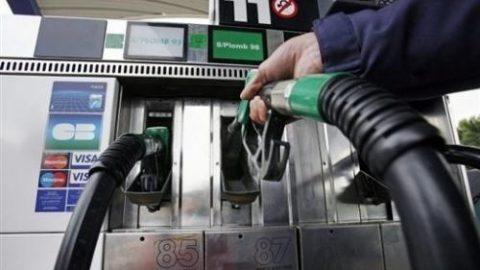 Deel van olieprijsverlaging niet naar de consument