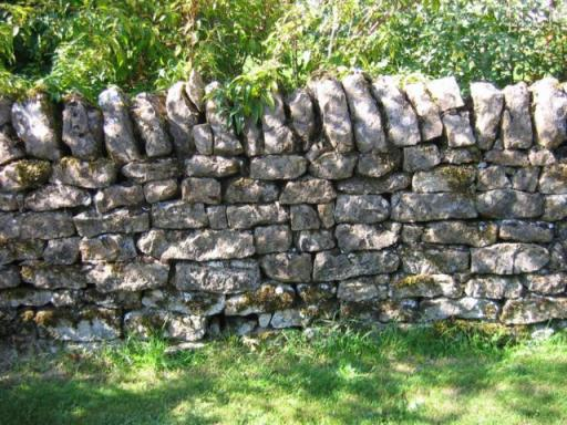Tuinmuren - Wonen en Leven in Frankrijk