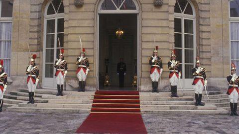 Naar een nieuw Frankrijk, weg met nepotisme, vriendjespolitiek, elitarisme, ambtenarenmacht
