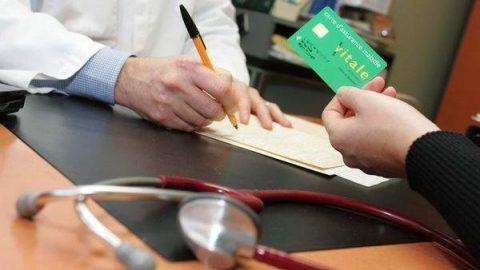 Sommige artsen blijven regelgeving aan hun laars lappen
